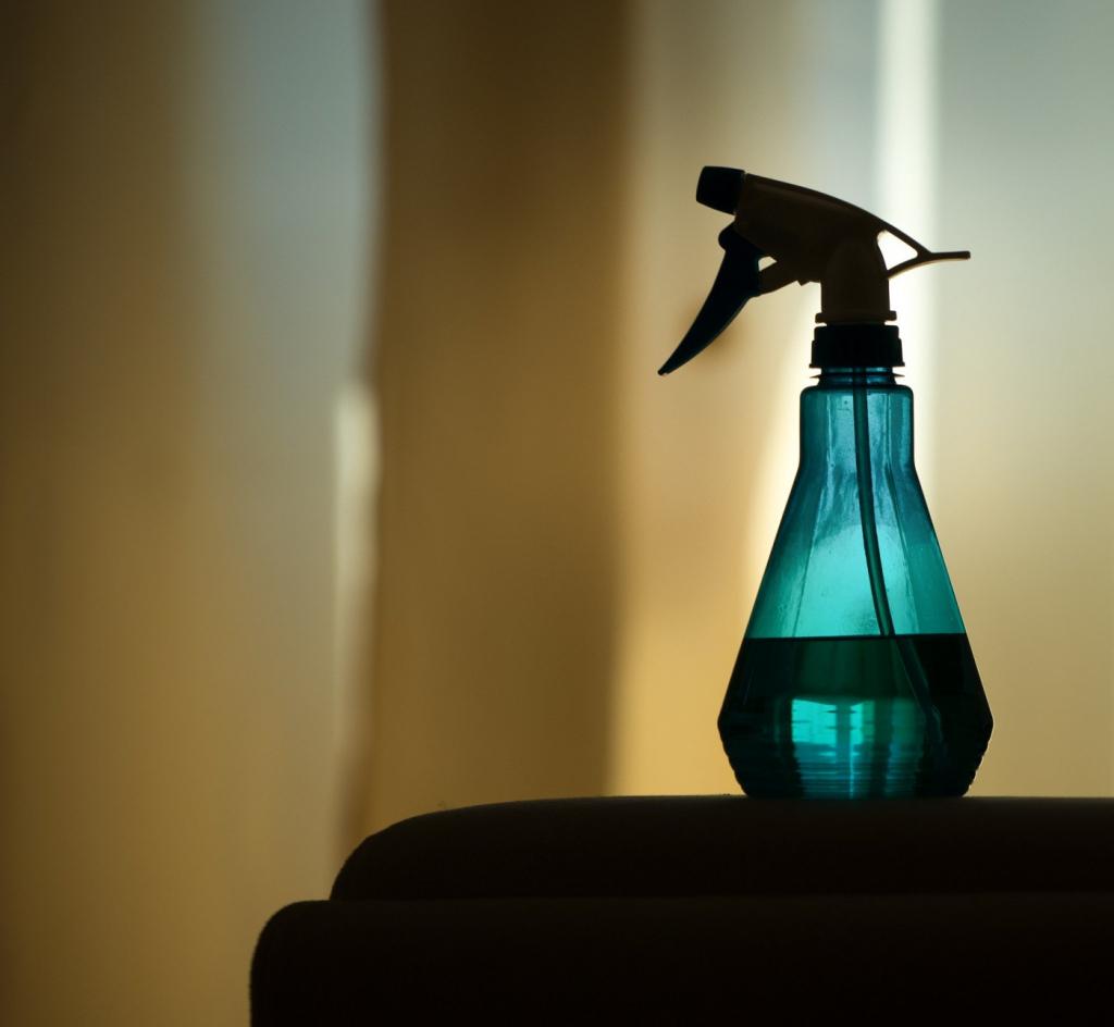 Com aumento de uso na pandemia, indústria alerta para riscos de produtos de limpeza – Jovem Pan