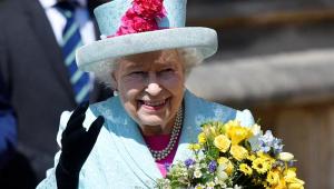 Rainha Elizabeth procura social media e oferece salário de R$ 200 mil por ano