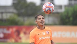 Guerrero poderá enfrentar o Corinthians após cancelamento de amistoso do Peru