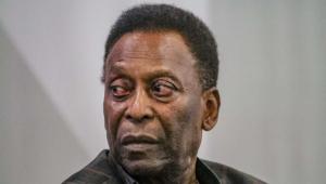 Edson Arantes do Nascimento, o Pelé, foi submetido a uma cirurgia bem-sucedida no Hospital Albert Einstein