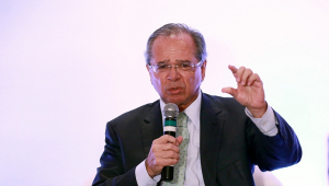 Villa: Reajuste do salário minimo é importante para a Economia