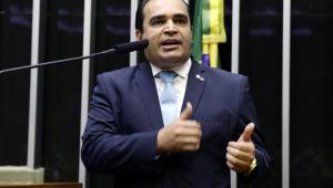 Deputado Marcelo Freitas (PSL-MG) discursa no púlpito da Câmara dos Deputados