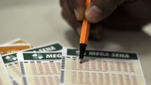 Confira os números sorteados da Mega-Sena; prêmio é de R$ 40 milhões