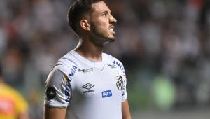 Santos vive surto de casos de Covid-19 e tem 10 jogadores infectados