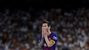 'Estou cansado de ser sempre o problema no Barcelona', reclama Messi