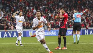 Pedrinho vira dúvida no Corinthians, mas é relacionado para enfrentar o Ceará