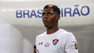 Yony González chega ao Brasil na quarta para assinar com o Corinthians