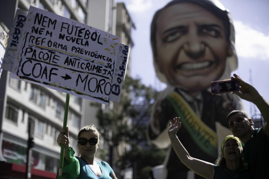 Andreazza: Cheias ou não, manifestações ajudam o Governo? Acho que não