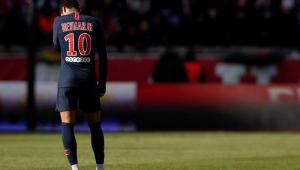 Del Bosque critica postura de Neymar: 'Não é bom exemplo, ele finge muito'