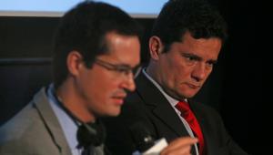 Juiz manda soltar hackers que invadiram celulares de Moro e Deltan