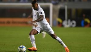 Em recuperação de lesão, Marinho vai ao campo na reapresentação do Santos