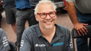 Jacques Villeneuve defende provas na Fórmula 1 em 2020, mas não campeonato