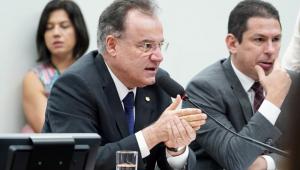 A sessão da Comissão Especial da Reforma da Previdência na Câmara dos Deputados se estendeu por 12 horas nesta terça-feira (18)