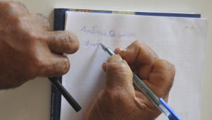 Taxa de analfabetismo cai no Brasil