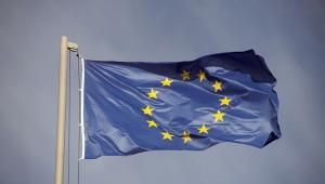 União Europeia anuncia plano de socorro financeiro de 750 bilhões de euros
