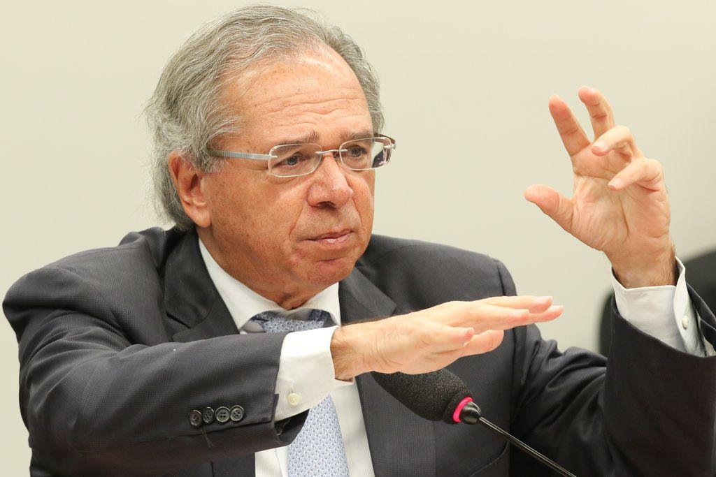 Minsitro da Economia, Paulo Guedes, fala durante audiência