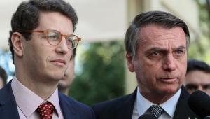Bolsonaro reclama de críticas e diz que Brasil é o país 'que mais preserva suas florestas'