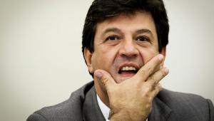 Villa: Não entendo silêncio do ministro da Saúde em relação ao coronavírus