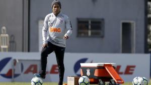 Jadson confirma saída do Corinthians: 'Despedida não foi como gostaria'