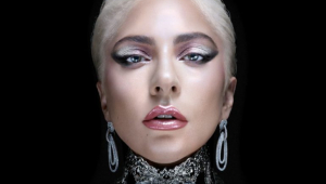 Lady Gaga comemora indicações ao Grammy com vídeo antigo; veja