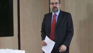 Cerca de 6 mil pessoas foram afetadas por erro na correção do Enem, diz Weintraub