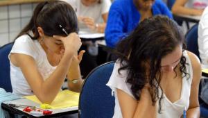 Com ensino comprometido e tentativas de adiamento, Enem 2020 começa neste domingo