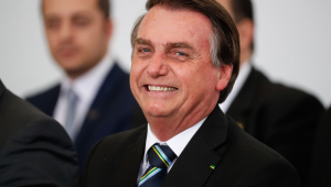 'Duvido que encontrem um quilômetro de floresta desmatada na Amazônia', diz Jair Bolsonaro
