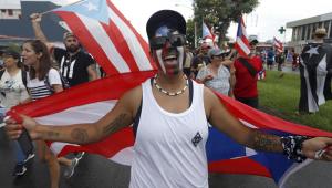 Porto-riquenhos celebram renuncia de Ricardo Rosselló