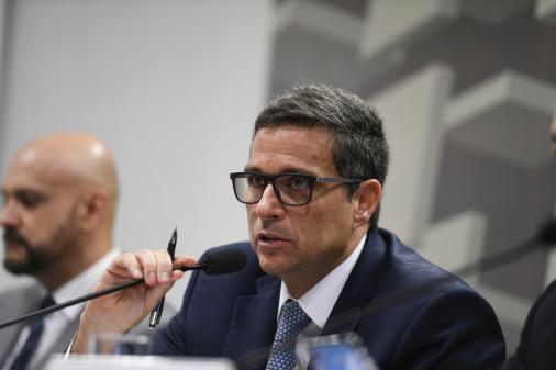 Vamos levar a Selic até aonde precisar para manter a meta da inflação, diz Campos Neto