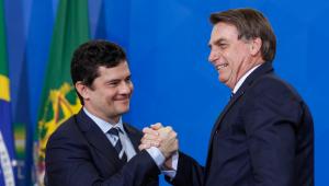 'Se Deus quiser, a gente acaba logo com a farsa desse ex-ministro', diz Bolsonaro sobre Moro