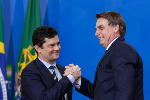 Bolsonaro rejeita separar ministério de Moro: 'Chance zero'