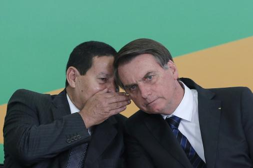 Vera: Bolsonaro expõe Mourão à toa e provoca baixaria aos olhos do Brics