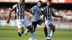 Verón cogita contratar Daniel Alves para o Estudiantes: 'Vou conversar'