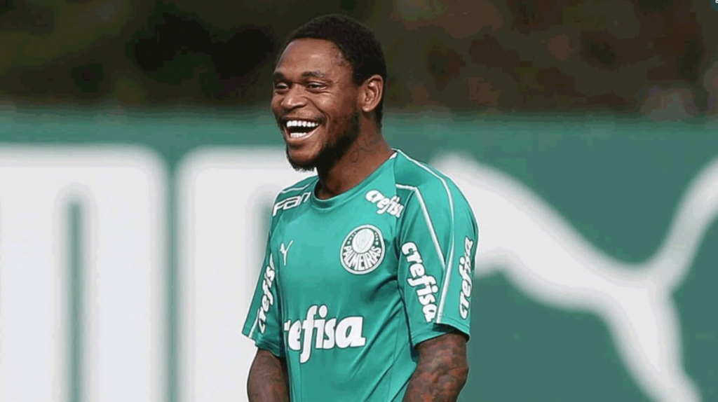 Luiz Adriano pode voltar ao time titular do Palmeiras no dérbi; veja provável escalação