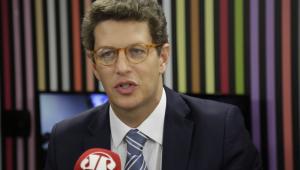 Salles: Medidas ambientais poderiam ser tratadas de maneira 'mais justa' no Brasil