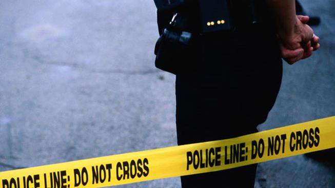 Homem invade festa, mata quatro e fere outros seis