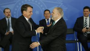 Bolsonaro diz que 'se surgisse uma 3ª vaga no STF' indicaria Aras