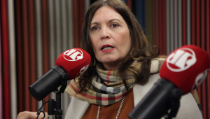 Bia Kicis critica inquérito das fake news e protocola pedido de impeachment de Moraes