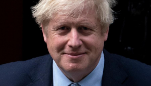 Boris Johnson conquista 364 cadeiras no parlamento