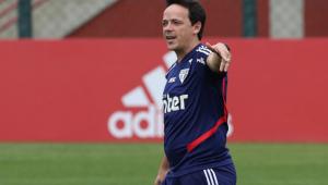 Fernando Diniz exalta atuação do São Paulo e explica posicionamento de Pato