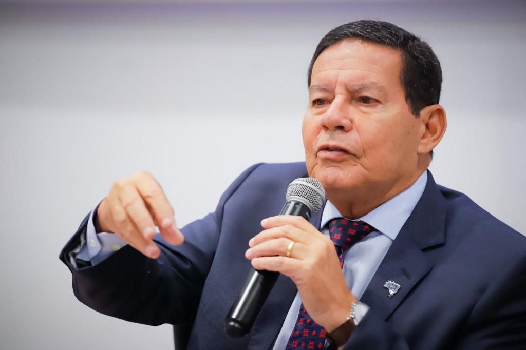 Mourão admite que é preciso apresentar 'melhores resultados' no combate ao desmatamento – Jovem Pan