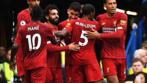 Liverpool embarca para o Mundial no Catar sem Lovren e com Wijnaldum