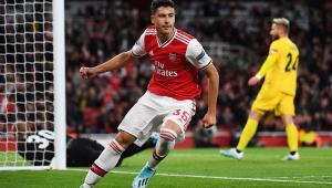 Martinelli marca, Arsenal vira contra West Ham em 6 minutos e quebra jejum