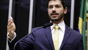 Deputado Júnior Bozzella nega expulsão de Bia Kicis do PSL