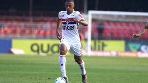 Após susto, Bruno Alves volta a treinar no SPFC