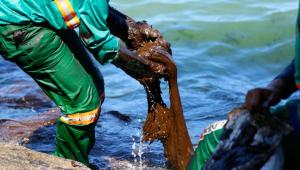 Contato com óleo pode causar danos à saúde