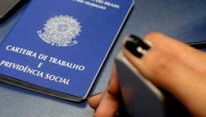 Brasil teve mais de 860 mil vagas de emprego fechadas em abril, mostra Caged