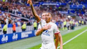 Jean Lucas, do Lyon, projeta partida contra o Benfica pela Champions e rápida adaptação