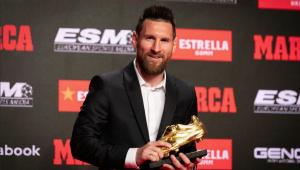 Messi recebe sexta Chuteira de Ouro e agradece companheiros