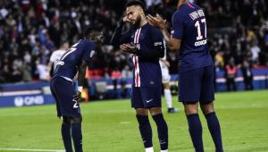 Mbappé, de letra, e Neymar dão vitória ao Paris Saint-Germain no Francês